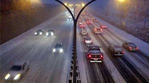 A snowy night on the Gardiner